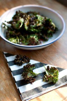 Kale crisps with himalayan salt.  http://ruokahommia.blogspot.com