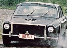 Cliff Ruddell shares discarded transparencies from the Jaguar Cars, Jaguar Xj, Jaguar Daimler, Weird And Wonderful, Cliff, Lions, 1980s, Antique Cars, Classic Cars