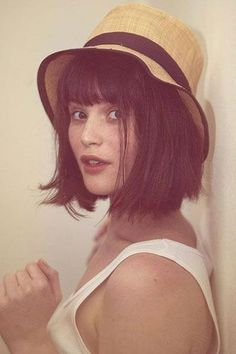 Just the perfect length for a sexy, playful chic bob. Short straight bangs give it that French sexiness that will get you more than a second look! Blunt Bob With Bangs, Bob Haircut With Bangs, Short Straight Hair, Short Curly Hair, Long Bob, Short Hair Styles, Full Bangs, Bob Haircuts, Bob Hairstyles For Thick