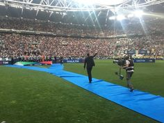 JuventusFC (@juventusfc)   Twitter Basketball Court, Soccer, Grande, Twitter, Sports, Hs Sports, Futbol, Soccer Ball, Excercise