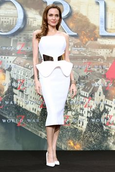 Celebrate Angelina Jolie's Birthday With Her Best 12 Red Carpet Looks |