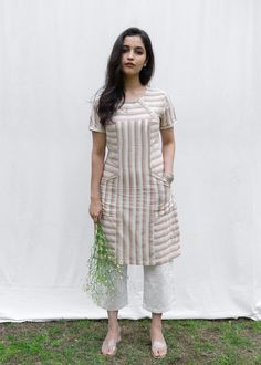 New Kurti Designs, Simple Kurta Designs, Salwar Neck Designs, Kurta Neck Design, Tunic Designs, Kurta Designs Women, Kurti Designs Party Wear, Dress Neck Designs, Stylish Kurtis Design