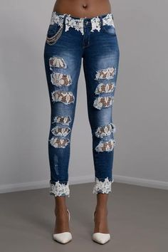 Fashion Fix Flower Lace Ripped Skinny Jeans - DIY Clothes Jeans Ideen Lace Jeans, Denim And Lace, Bling Jeans, Skinny Jeans Style, Ripped Skinny Jeans, Jeans Grunge, Denim Fashion, Fashion Outfits, Jean Outfits
