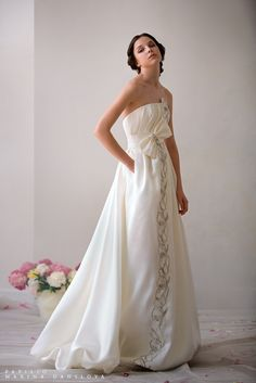 I'm not big on traditional wedding dresses but this is very classy