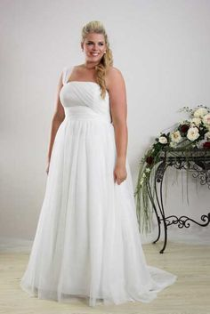Simple plus size wedding dress Annie