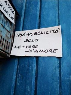 Stars on Italian Walls Writing Quotes, Book Quotes, Sign Quotes, Wall Quotes, Italian Phrases, Italian Quotes, Post Secret, Daily Mood, Envelope Lettering