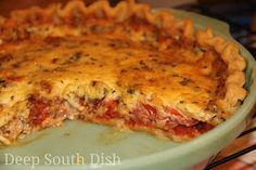 Southern Tomato Pie ~ Simple fresh ingredients - juicy tomatoes and fresh herbs, layered in a flaky pie crust, with sweet onion and cheese. Dress the top with the traditional mayonnaise and cheese mixture, and you've got a classic southern tomato pie. Deep South Dish, Deep Dish, Quiches, Southern Tomato Pie, Southern Recipes, Southern Food, Southern Comfort, Southern Dishes, Strudel