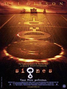 Signes est un film de M. Night Shyamalan avec Mel Gibson, Joaquin Phoenix. Synopsis : A Bucks County, en Pennsylvanie. Après la perte de sa femme, Graham Hess a rendu sa charge de pasteur. Tout en s'occupant de sa ferme, il tente d'élev