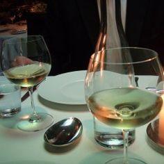 Týždenný jedálniček na chudnutie: Toto vás prekvapí! - cvikynadoma.sk Wine Decanter, White Wine, Barware, Alcoholic Drinks, Glass, Drinkware, Wine Carafe, Corning Glass, White Wines