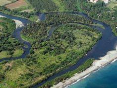 Baracoa: città sul mare, circondata da alte montagne e attraversata da molti fiumi
