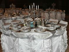 White and silver table decor Silver Table, Wedding Decorations, Table Decorations, Table Settings, Wedding Decor, Place Settings, Dinner Table Decorations, Tablescapes