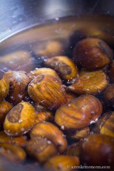Tökéletes sült gesztenye - áztatáskor a jó gesztenye elmerül a vízben Roasted Chestnuts, Cod Fish, Minion, Almond, How To Memorize Things, Food, Water, Christmas, Cod