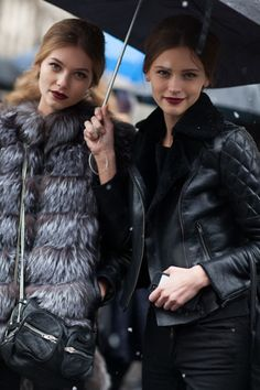 Fashion | Street style in the snow | http://www.theglampepper.com/2014/12/29/fashion-street-style-snow/