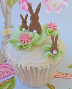 Awesome Easter Cakes, Cake Pops, Cupcakes and Cookies Bunny Cupcakes, Easter Cupcakes, Easter Cookies, Easter Treats, Cupcake Cakes, Easter Food, Cup Cakes, Garden Cupcakes, Mocha Cupcakes