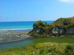 Kai Iwi Beach Wanganui New Zealand. Photo by Kylie Wetherall.