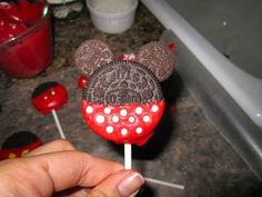 Babes in Disneyland: Disney at Home: Mickey and Minnie Oreo Pops Mickey Mouse Clubhouse Party, Mickey Party, Mickey Mouse Birthday, Minnie Mouse, Disney Home, Disney Diy, Disney Magic, Yummy Treats, Sweet Treats