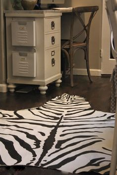 My Sweet Savannah: ~$15 DIY faux zebra rug~{thrifty thursday} Make this realistic looking zebra hide out of a drop cloth and a little paint! Click through for the full instructions!