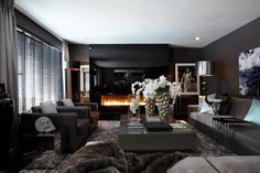 Eric Kuster design is sober and luxurious. Maison Malou loves it!!