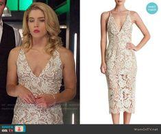 Felicity's wedding dress on Arrow.  Outfit Details: https://wornontv.net/86242/ #Arrow