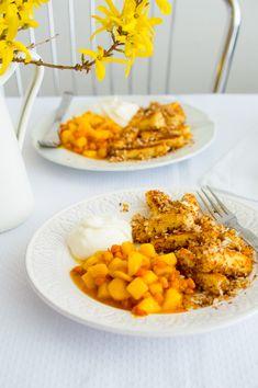SUGARTOWN: Tvarohové špalíčky (šišky) s křupavou kokosovou strouhankou a kompotem z exotického ovoce/Curd (quark) dumplings with coconut and cardamom panko breadcrumbs, passion fruit, mango and sea buckthorn compote and sour cream