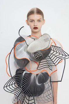 Artist : Noa Raviv. Fashion series : Hard copy.