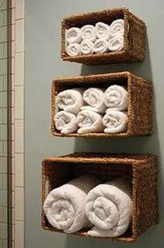 12 DIY Hacks To Create Your Dream Apartment buy a three set of baskets and hang on the bathroom wall as towel storage Diy Hacks, Home Projects, Projects To Try, Dream Apartment, Beach Apartment Decor, Apartment Interior, Apartment Living, Beach Condo Decor, Beach Bedroom Decor
