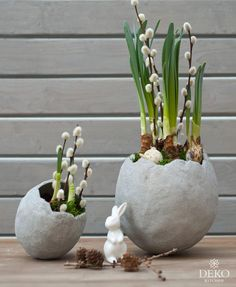 DIY: make stylish Easter egg vases from kneading concrete - DIY: make stylish Easter egg vases from kneading concrete yourself – decorative kitchen - Ester Crafts, Kitchen Ornaments, Easter Printables, Engagement Ring Cuts, Happy Easter, Garden Art, Easter Eggs, Creations, Diy Crafts