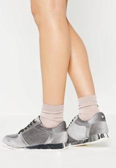 Missguided - Szare welurowe tenisówki z metaliczną podeszwą