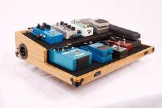 Boicebox Tiered : des pedalboards durables en bambou | Guitar Wink