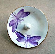 Ceramic Dragonfly Ring Holder Bowl Purple by dgordon on Etsy https://www.etsy.com/listing/189205279/ceramic-dragonfly-ring-holder-bowl