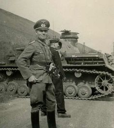 Rommel was linked to the conspiracy to assassinate Hitler. Hitler forced Rommel to commit suicide with a cyanide pill, in return for assurances that Rommel's family would not be persecuted. He was given a state funeral. World History, World War Ii, Erwin Rommel, Evil World, Afrika Korps, Man Of War, German Army, War Machine, North Africa