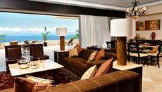 Refúgiese en nuestras suites espaciosas con vista al mar, con una mezcla única de diseño sencillo y contemporáneo con auténticos toques mexicanos y hermosas vestiduras importadas.