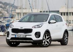 The all-new Kia Sportage made its global debut at the 2015 Frankfurt International Motor Show, with an attractive, all-new interior and exterior design,. Kia Sportage, Nuevo Seat, Auto News, Future Car, Toyota, Tucson, Stool, Chairs, Website