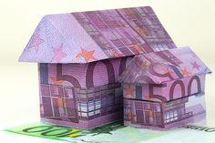 Interhyp: Hauskäufer profitieren vom Brexit. - Nach dem Brexit-Votum sind die Zinsen für Immobilienkredite auf ein neues Rekordtief gefallen. Anfang Juli sinkt der Satz für zehnjährige Darlehen deutlich unter 1,3 Prozent –  so günstig wie noch nie in der Geschichte der Bundesrepublik. Das zeigt eine Auswertung der Interhyp AG. -  http://www.cash-online.de/immobilien/2016/interhyp-hauskaeufer-profitieren-vom-brexit/329638 Foto: Shutterstock