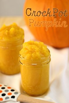 Make pumpkin puree from slow cooked pumpkins #slowcooker #crockpot