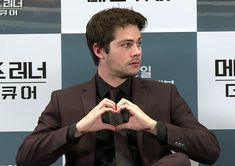 If y'all ever feel down. Here is Dylan giving you some of his love to keep ya going Dylan O'brien, Dylan And Britt, Teen Wolf Dylan, Stiles, Mtv, Dylan O Brien Cute, Fanfiction, Maze Runner Movie, O Brian