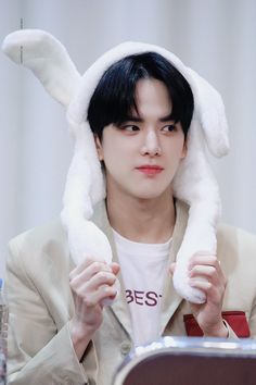 191013 THE BOYZ FANSIGN - YOUNGHOON
