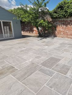 Kandla Grey is light grey Indian Sandstone widely popular in UK for outdoor patio and gardern paving areas. Garden Slabs, Patio Slabs, Patio Tiles, Garden Paving, Concrete Paving Slabs, Paving Stone Patio, Poured Concrete Patio, Paving Stones, Outside Flooring