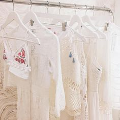 """11.7 k mentions J'aime, 58 commentaires - River Island (@riverisland) sur Instagram: """"If it's hot, it's here! New summer arrivals got us dreaming of sandy white beaches & crystal clear…"""""""