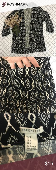 Forever 21 Tribal Print Sweater ✨NWOT, PERFECT CONDITION ✨Super soft and comfortable material! ✨Sweater has two front pockets ✨3 quarter sleeve Forever 21 Sweaters Cardigans