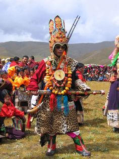 Festivals Of Bhutan That You Should Attend At Least Once 32 Dalai Lama, Western Costumes, Rare Clothing, Mask Dance, Central Asia, People Of The World, Culture Travel, Deities, Buddhism