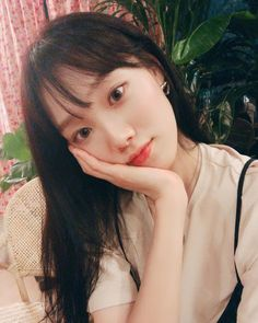 Those of us with a fringe or bangs will know the love-hate relationship we have with the locks of hair over our forehead - it looks great on other people, . Kim Bok Joo, Lee Sung Kyung, Hair Locks, Ulzzang, Actors & Actresses, Asian Girl, Beautiful Women, Models, Photo And Video