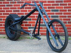Square tubing forks on a chopper bike! Velo Design, Bicycle Design, Cruiser Bicycle, Motorized Bicycle, Cool Bicycles, Cool Bikes, Vintage Bicycles, Choppers, Bike Chopper