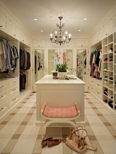 Walk In Closet Design - Design photos, ideas and inspiration. Amazing gallery of interior design and decorating ideas of Walk In Closet Design in closets by elite interior designers. Walk In Wardrobe, Walk In Closet, Wardrobe Design, Huge Closet, Perfect Wardrobe, Closet Bench, Closet Mirror, White Wardrobe, Closet Doors