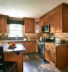 Contemporary Kitchen Design If you're planning a kitchen redesign but concerned about the amount of Classic Kitchen Cabinets, Kitchen Cabinets Pictures, Refacing Kitchen Cabinets, Kitchen Cabinetry, Kitchen Redo, Kitchen Flooring, Kitchen Design, Wolf Kitchen, Cabinet Refacing