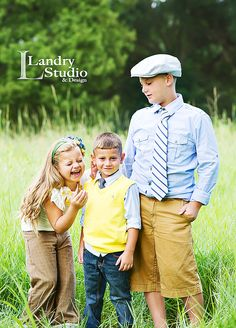 Like the outfit colors. Sibling Photography, Children Photography, Photography Ideas, Sibling Poses, Siblings, Freeze, Photo Ideas, Pictures, Photos