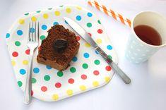 Pratos de papel poá coloridos, canudos de papel, barbantes listrados e copinhos! #festa #descartáveis #decoração #poá