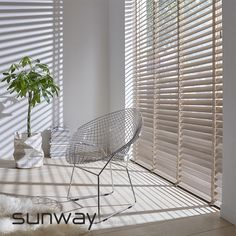 2019 Window Treatment Trends Considering windows form a central part of your home and office design and can frame your view outside or enhance your Home Curtains, Curtains With Blinds, Stores Porte Patio, My Living Room, Living Spaces, Store Venitien, Types Of Curtains, Curtain Types, Interior Windows