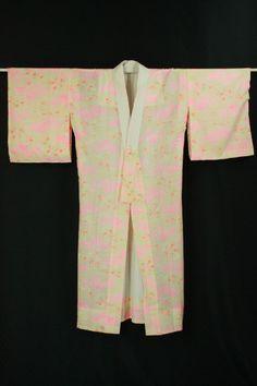 Cream nagajuban, Pink flower pattern / クリーム地 蛍光ピンクの花柄 メリンス地長襦袢 #Kimono #Japan http://www.rakuten.co.jp/aiyama/
