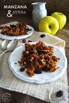 MANZANA Y AVENA  Receta deliciosa y muy versátil, la pueden comer como snack, en el desayuno o como postre, pocos ingredientes y muy fácil de preparar!!  #recetasaludable #vegana #vegetariana #singluten #sinlacteos #sinhuevo #piedemanzana #snack #snacksaludable #postresaludable